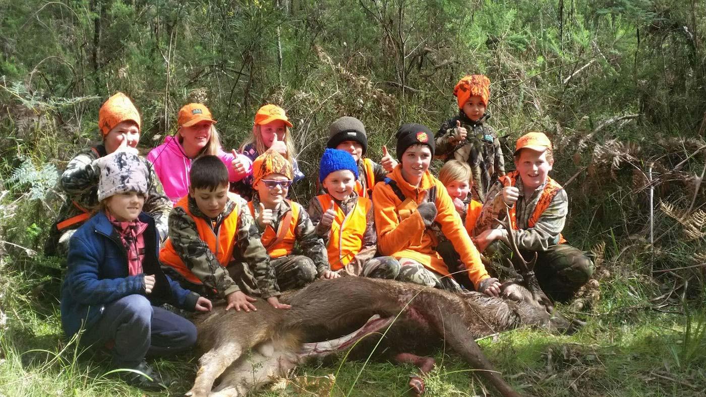 VHH_Victorian-Hound-Hunters_family-hunting-club